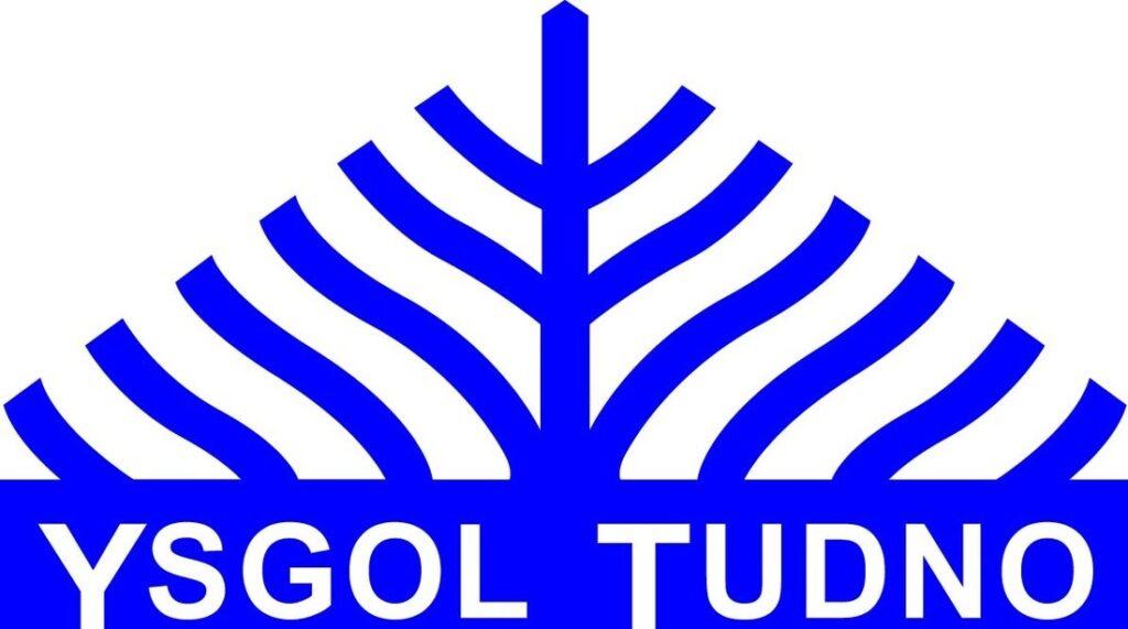 Ysgol Tudno Logo